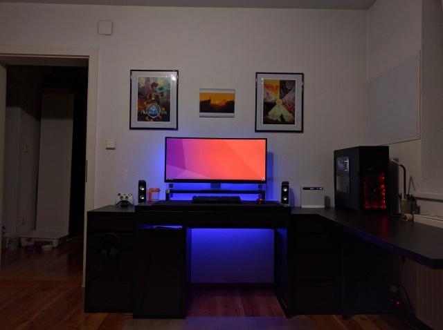 PC_Desk_UltlaWideMonitor14_16.jpg