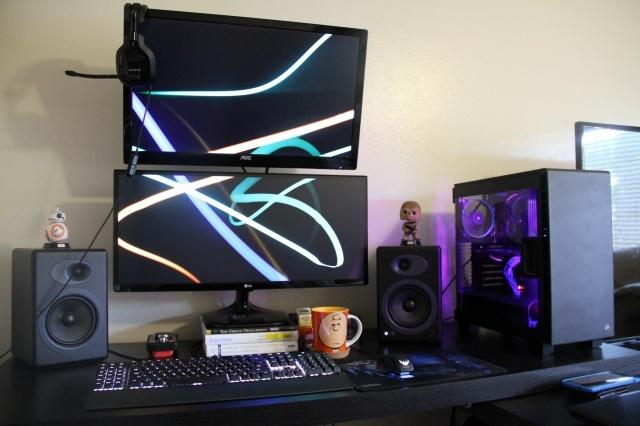 PC_Desk_UltlaWideMonitor14_17.jpg