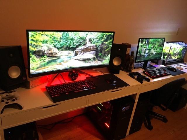 PC_Desk_UltlaWideMonitor14_19.jpg