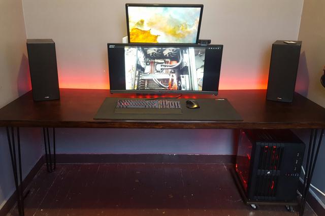 PC_Desk_UltlaWideMonitor14_23.jpg