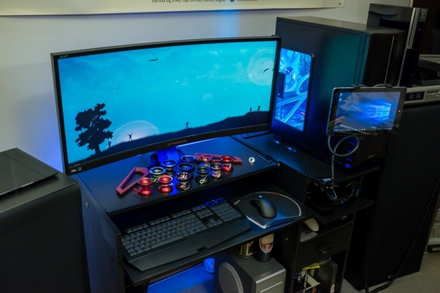 PC_Desk_UltlaWideMonitor14_27.jpg