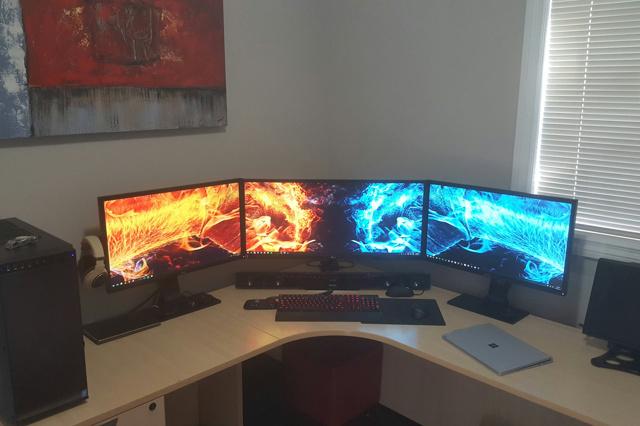 PC_Desk_UltlaWideMonitor14_28.jpg