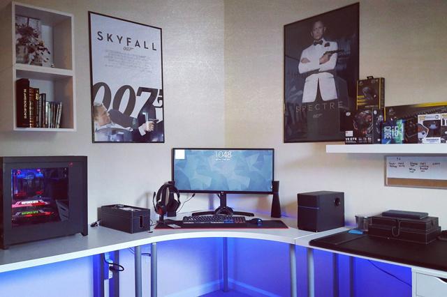 PC_Desk_UltlaWideMonitor14_30.jpg