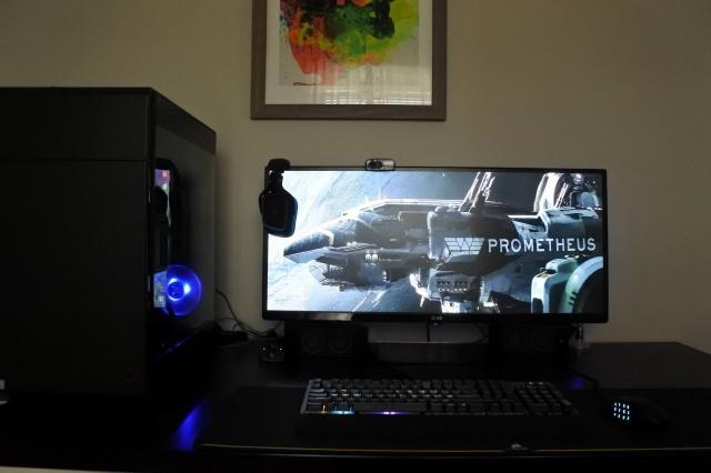 PC_Desk_UltlaWideMonitor14_38.jpg