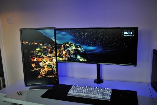 PC_Desk_UltlaWideMonitor14_60.jpg