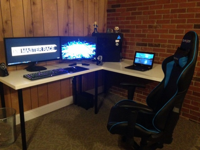PC_Desk_UltlaWideMonitor14_63.jpg