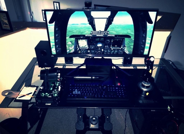 PC_Desk_UltlaWideMonitor14_68.jpg