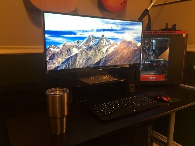 PC_Desk_UltlaWideMonitor14_85.jpg