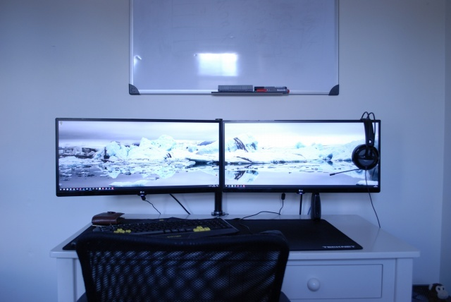 PC_Desk_UltlaWideMonitor14_89.jpg