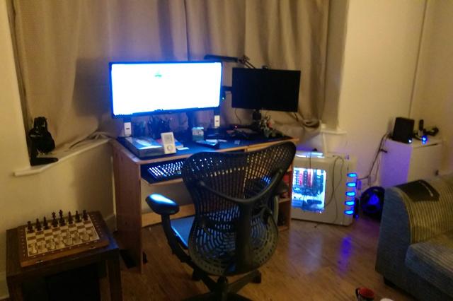 PC_Desk_UltlaWideMonitor14_95.jpg