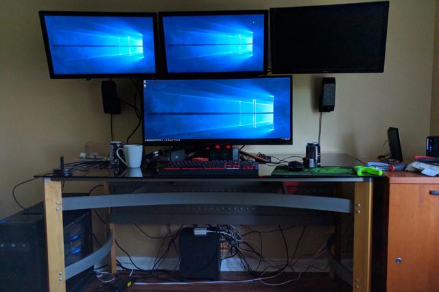 PC_Desk_UltlaWideMonitor14_98.jpg