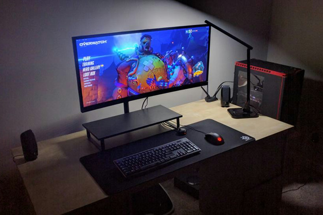 PC_Desk_UltlaWideMonitor15_13.jpg