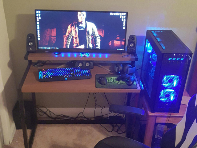 PC_Desk_UltlaWideMonitor15_46.jpg