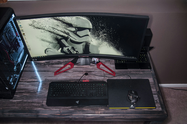 PC_Desk_UltlaWideMonitor15_68.jpg