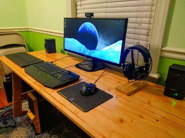 PC_Desk_UltlaWideMonitor16_49.jpg