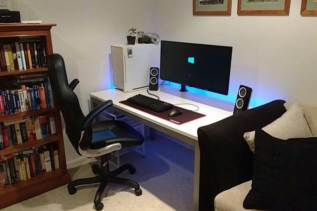 PC_Desk_UltlaWideMonitor16_53.jpg
