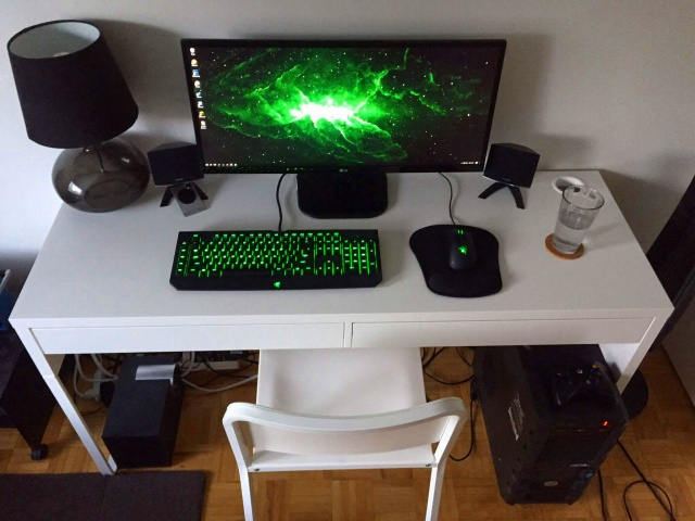 PC_Desk_UltlaWideMonitor16_55.jpg