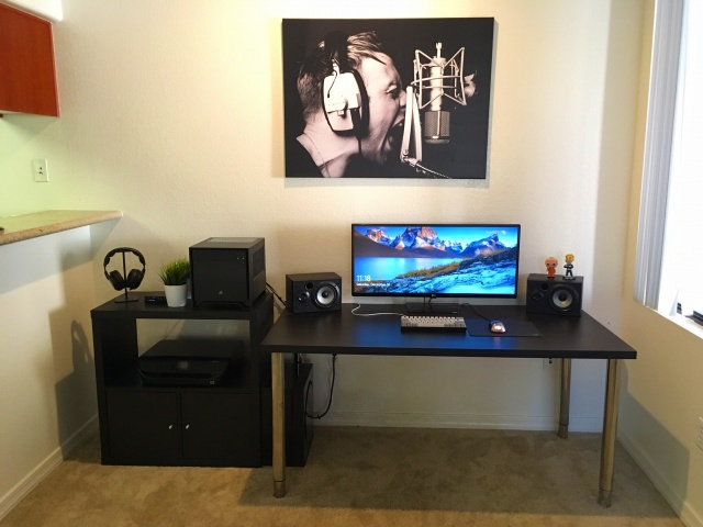 PC_Desk_UltlaWideMonitor16_65.jpg