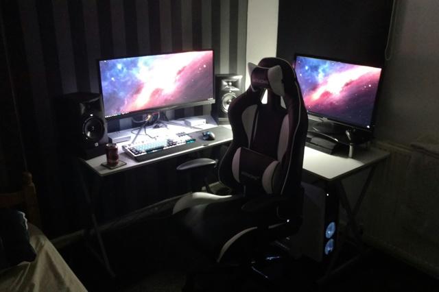 PC_Desk_UltlaWideMonitor16_70.jpg