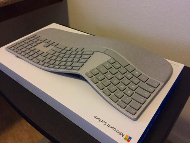 Surface_Ergonomic_Keyboard_07.jpg
