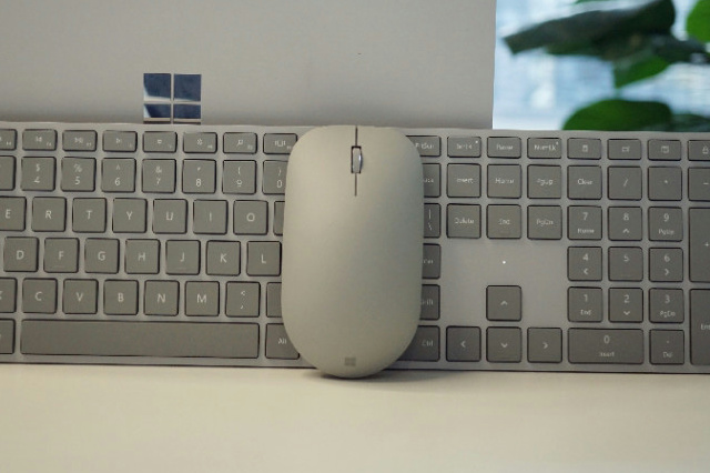 Surface_Mouse_03.jpg