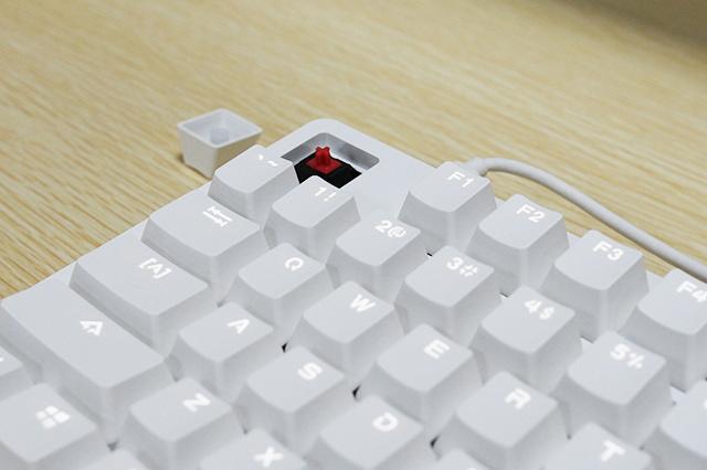 Yuemi_Mechanical_Keyboard_04.jpg