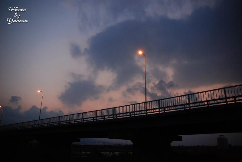 古川橋の夕暮れ 愛媛県西条市古川