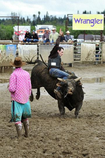 blog 24 D3S Oakdale Rodeo, Bull Riding 2-15 RR, Steve L. Carter (NS Lakeside, CA)_DSC6111-4.10.16.(2).jpg