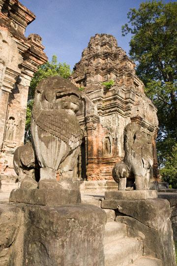 blog 232 Cambodia, Siam Reap, Roluos Group (Lolei, Preah Ko, Bakong) Preah Ko_DSC0169-12.4.13.(1).jpg