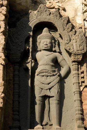 blog 232 Cambodia, Siam Reap, Roluos Group (Lolei, Preah Ko, Bakong) Preah Ko, Devata_DSC0179-12.4.13.(1).jpg
