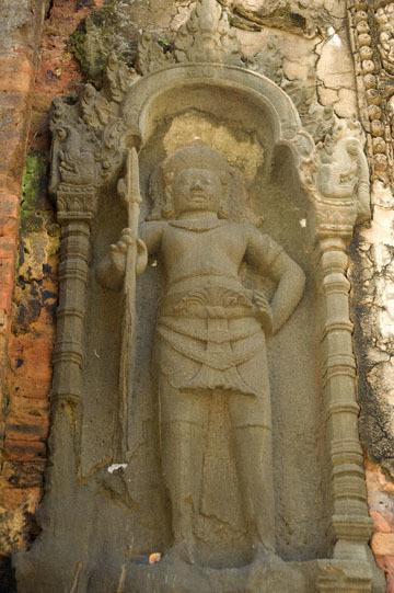 blog 232 Cambodia, Siam Reap, Roluos Group (Lolei, Preah Ko, Bakong) Preah Ko, Devata_DSC0182-12.4.13.(1).jpg