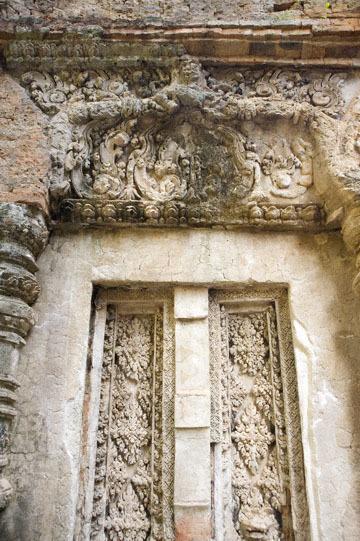 blog 232 Cambodia, Siam Reap, Roluos Group (Lolei, Preah Ko, Bakong) Preah Ko_DSC0195-12.4.13.(1).jpg