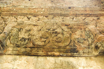 blog 232 Cambodia, Siam Reap, Roluos Group (Lolei, Preah Ko, Bakong) Preah Ko_DSC0194-12.4.13.(1).jpg