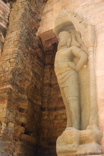 blog 232 Cambodia, Siam Reap, Roluos Group (Lolei, Preah Ko, Bakong) Preah Ko_DSC0215-12.4.13.(1).jpg