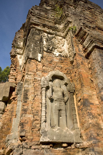 blog 232 Cambodia, Siam Reap, Roluos Group (Lolei, Preah Ko, Bakong) Preah Ko_DSC0218-12.4.13.(1).jpg