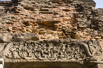 blog 232 Cambodia, Siam Reap, Roluos Group (Lolei, Preah Ko, Bakong) Preah Ko_DSC0216-12.4.13.(1).jpg