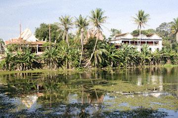 blog 232 Cambodia, Siam Reap, Roluos Group (Lolei, Preah Ko, Bakong) Bakong_DSC0260-12.4.13.(1).jpg