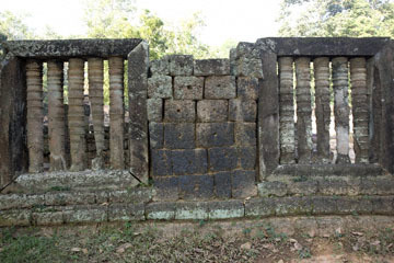 blog 232 Cambodia, Siam Reap, Roluos Group (Lolei, Preah Ko, Bakong) Preah Ko_DSC0259-12.4.13.(1).jpg