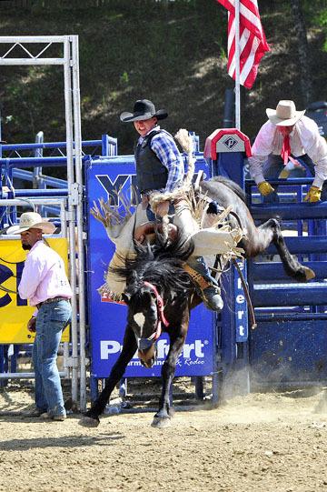 blog (4x6@300) Yoko 39 D3S Gold Country Rodeo, Saddle Bronco 8, Ralf Poteet (60