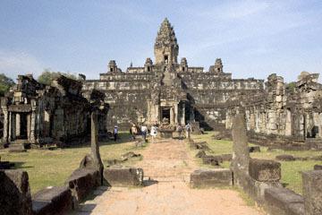 blog 232 Cambodia, Siam Reap, Roluos Group (Lolei, Preah Ko, Bakong) Bakong_DSC0269-12.4.13.(1).jpg