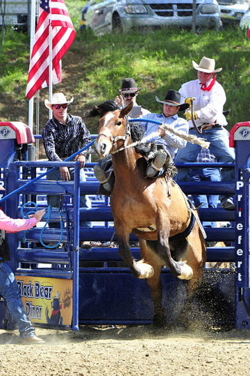 blog (4x6@300) Yoko 39 D3S Gold Country Rodeo, Saddle Bronco 10, Cooper DeWitt (78