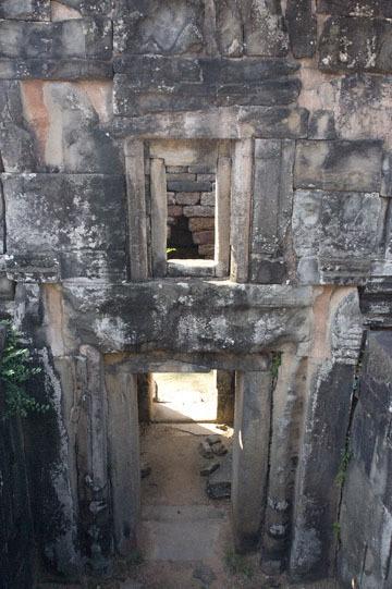blog 233 Cambodia, Siam Reap, Roluos Group (Lolei, Preah Ko, Bakong) Bakong_DSC0010-12.4.13.(2).jpg
