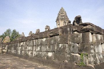 blog 233 Cambodia, Siam Reap, Roluos Group (Lolei, Preah Ko, Bakong) Bakong_DSC0009-12.4.13.(2).jpg