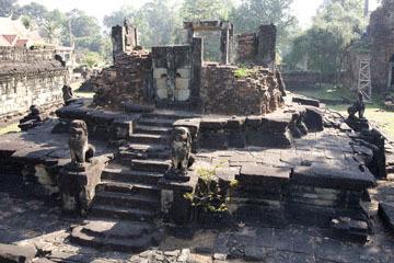 blog 233 Cambodia, Siam Reap, Roluos Group (Lolei, Preah Ko, Bakong) Bakong_DSC0006-12.4.13.(2).jpg