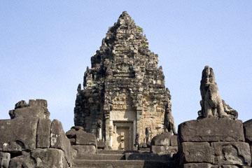 blog 233 Cambodia, Siam Reap, Roluos Group (Lolei, Preah Ko, Bakong) Bakong_DSC0011-12.4.13.(2).jpg