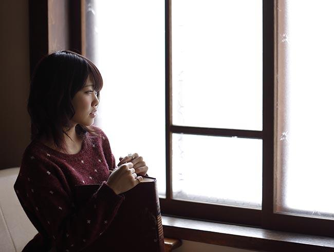 野乃夏:窓辺2