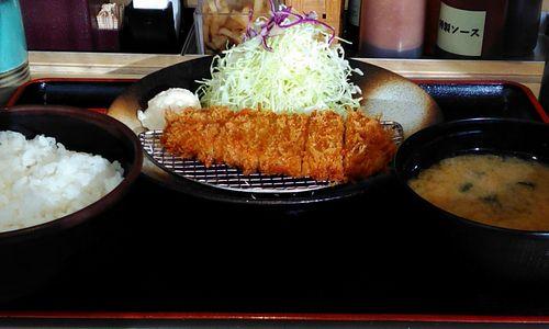 400円ロースカツ定食