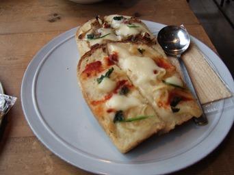 2/10 豆乳マヨとチーズのオープンサンド カマクラ24SEKKI