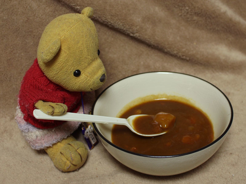 カレー職人ビーフ味中辛を食べる 170124
