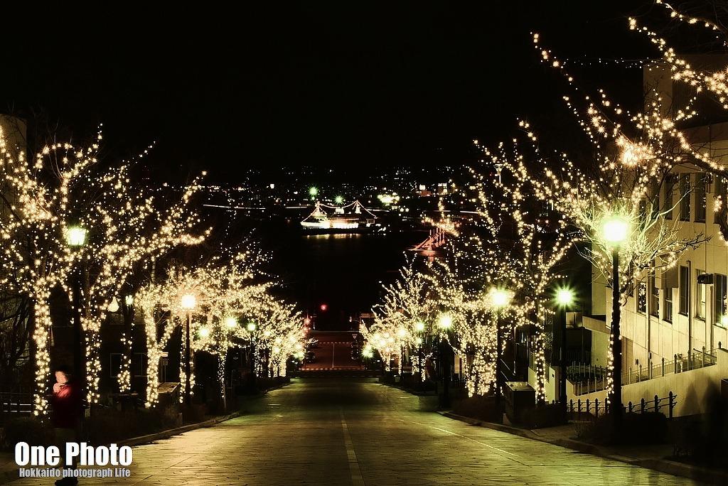 八幡坂から摩周丸・・・ - One Photo